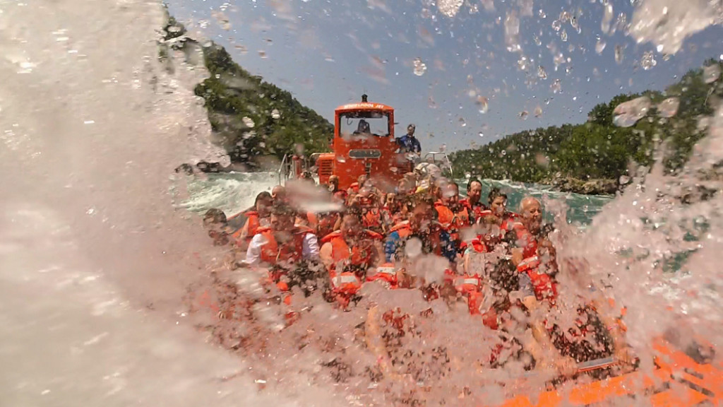 Whirlpool Jet Boat takes on Devil's Hole rapids. You WILL get wet on this ride!