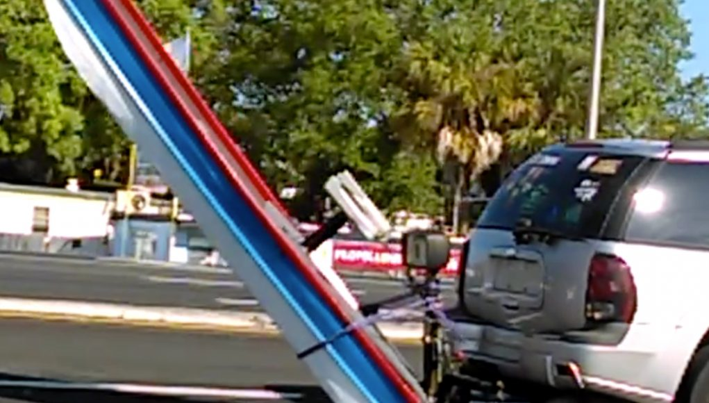 VIDEO: Unusual Trailering Method | Boats and Places Magazine A Dangerous Method Boat