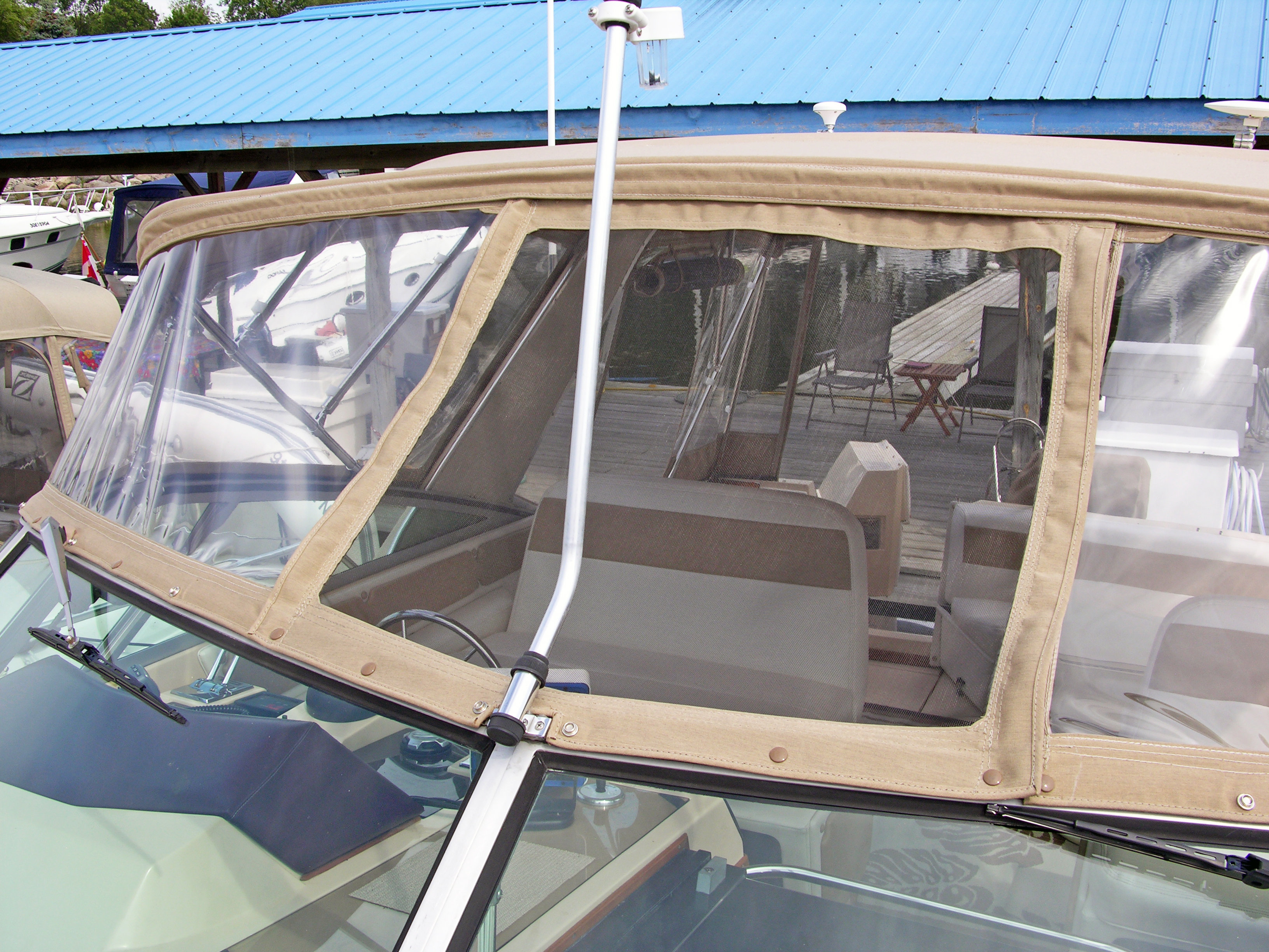 Zip in screen for ventilation at anchor